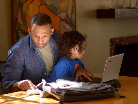 Many Arizona Online students are adults working full time and parents who seek the flexibility of online courses. (Photo: UA Student Affairs & Enrollment Management, Academic Initiatives & Student Success)