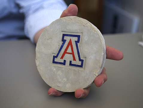 A disc made of the new UA-invented Acrete material (Photo: Paul Tumarkin/Tech Launch Arizona)