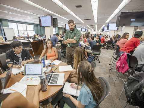 More than 90 percent of employers rate UA graduates as having the skills needed to succeed on the job, as colleges and universities across the nation are working to improve the workforce readiness of their graduating students. (Photo credit: John de Dios/UANews)