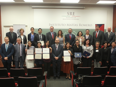 A ceremony at Mexico's Diplomatic Academy, Instituto Matías Romero, honored the first cohort of graduates. (Photo: Instituto Matías Romero)