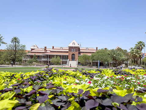 The U.S. Green Building Council Arizona is honoring the Old Main renovation and restoration project for its outstanding leadership and innovation in raising the bar for sustainable building design, and for gaining LEED certification. (Photo credit: John de Dios/UANews)