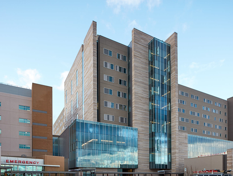 Banner – University Medical Center Tucson's new patient tower will be open to patients beginning April 22. (Photo: Todd Eckelman Photography)