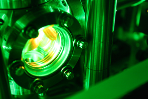 """High-energy lasers are needed to generate the super-short pulses needed to """"freeze the action"""" of molecular processes. (Photo: Beatriz Verdugo/UANews)"""
