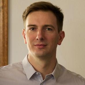 Scott Selisker