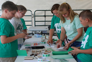 Offered through UA Cooperative Extension, Arizona 4-H programs develop young leaders who have the chance to participate in activities ranging from raising livestock to building robots.