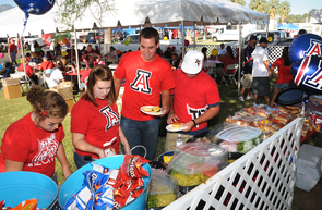 UA sustainability teams are ramping up education and diversion efforts during tailgating. (Photo: Norma Jean Gargasz/UANews)