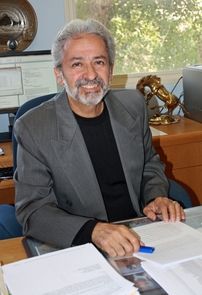 Celestino Fernández is a Distinguished Professor in the UA sociology department. (Photo credit: Beatriz Verdugo/UANews)
