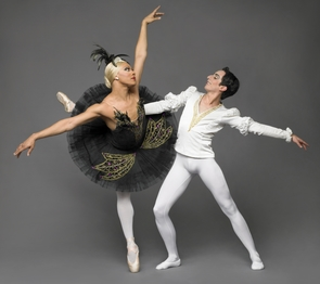 Les Ballets Trockadero de Monte Carlo will be performing at Centennial Hall April 20, 2013. (Photo courtesy of UApresents)