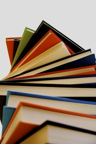Which books have gripped you, challenged your mind and evoked your emotions? Maybe it was The Little Prince? Beloved? The Hitchhiker's Guide to the Galaxy? Perhaps The Iliad or Lord of the Rings? Seemingly, it was once easier to find a good book. But a UA team has found that with shifts in social media and the publishing industry, readers are relying on new methods to find good reads.