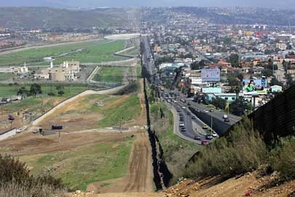The U.S.-Mexico border. The U.S. is on the left. (Photo by Gerald L. Nino)