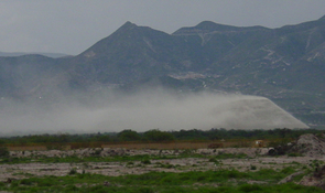 Dust blowing from a tailings site in Mexico. (Photo: Blenda Machado)