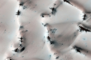 Frosted Dunes (NASA/JPL/University of Arizona)