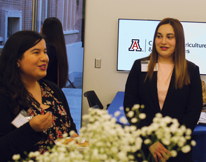 Vanguard representative Rachel Cardona meets with DL50 member Belle Soyfer during the Dean's Leadership 50 networking event. (Photo: Kyle Sharp)
