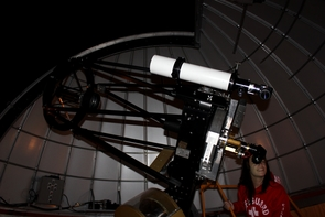 At the SkyCenter, students are able to direct the telescope to find objects in the sky by themselves. (Photo by Alan Strauss)
