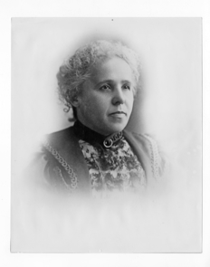 Lavinia Steward had a keen interest in astronomy and enjoyed showing the night sky to her grand-nieces and nephews with her 3-inch telescope. This portrait dates from around 1900.