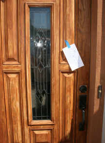 Maricopa County residents responded positively to door notices seeking volunteers to participate in the mosquito study. (Photo: Dawn Gouge)