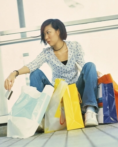 """What do you get with a high level of digital engagement coupled with a strong passion for fashion? According to new survey results in a UA-led project, you get a """"digital diva,"""" an emergent population of shoppers whose habits and desires are expected to drastically change retailing."""