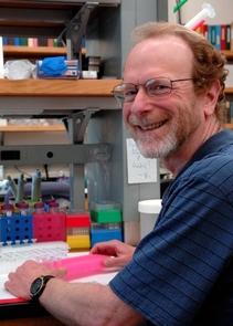 Bruce Tabashnik (Alex Yelich, The University of Arizona)