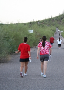 Walkers on Tumamoc Hill Road. (Credit: Shipherd Reed/UA College of Science)