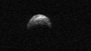 (Click image to enlarge) A radar image of asteroid 2005 YU55 taken by the Arecibo radio telescope in Puerto Rico. (Image: NASA/Cornell/Arecibo)