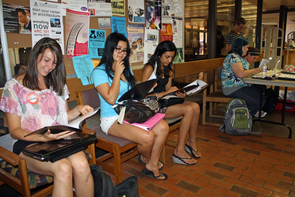 Students await their appointments to donate blood at an April 27 campus blood drive. (Photo by Beatriz Verdugo/UANews)