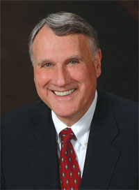 U.S. Sen. Jon Kyl is a UA alumnus who earned a bachelor's degree in 1964. Kyl also graduated from the UA James E. Rogers College of Law in 1966, where he was editor-in-chief of the Arizona Law Review.