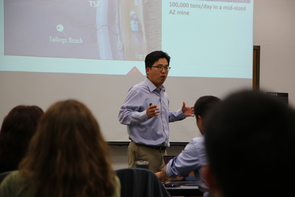 Minkyu Kim, inventor of the new biocompatible polymer blend, gives his pitch during the TLA I-Corps program. (Photo: Paul Tumarkin/Tech Launch Arizona)