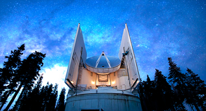 The Submillimeter Telescope on Mount Graham in Arizona helped capture the radio signals emanating from the supermassive black hole at the center of the M87 galaxy. (Photo: David Harvey)