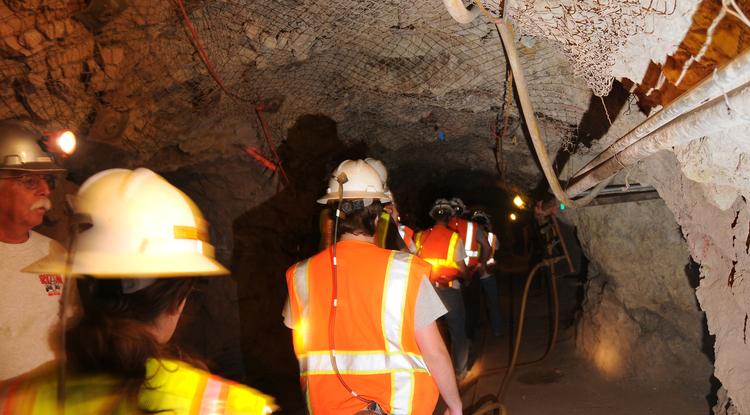 Mining engineering students train at the UA San Xavier Mining Laboratory Training Center. (Photo by Norma Jean Gargasz/UANews)