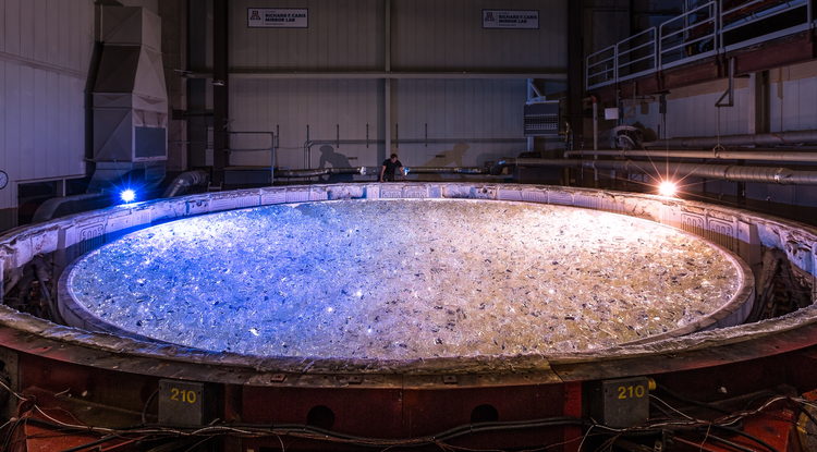 The GMT mirror 5 mold filled with 38,580 pounds of Ohara E6 low expansion glass, ready for the lid of the furnace to be placed. (Photo: Giant Magellan Telescope – GMTO Corp.)