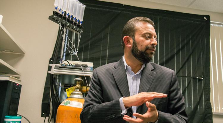 Rajesh Khanna in his lab (Photo: Bob Demers/UANews)