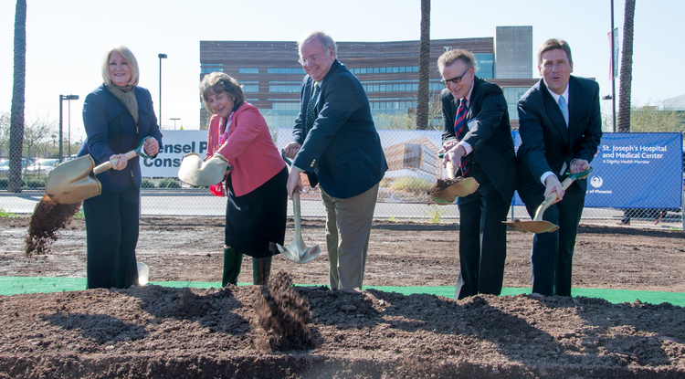 UA President Ann Weaver Hart, Dignity Health Arizona President and CEO Linda Hunt, House Speaker Andy Tobin, Cancer Center Director Dr. David S. Alberts, and Phoenix Mayor Greg Stanton (from left to right). (Photo by Sun Czar Belous/UA College of Medicine-Phoenix)