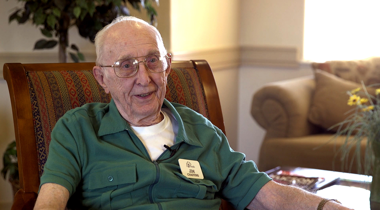 Jim Chaffins, 91, is pursuing a history degree through UA Online. (Photo: Gregg Elder)