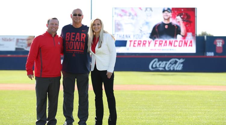 Former UA baseball star Terry Francona (center), with Wildcats head coach Jay Johnson and interim director of athletics Erika Barnes (Photo: Stan Liu/Arizona Athletics)