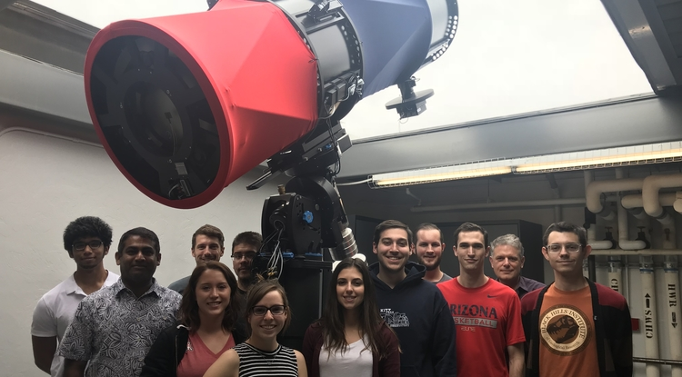 Undergraduate students from a class co-taught by Walt Harris and Vishnu Reddy at the RAPTORS observatory at LPL (Photo: Rachel Fernandes)