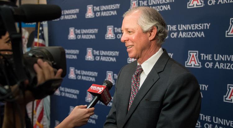 Dr. Robert C. Robbins is interviewed by media after his announcement Tuesday as the lone finalist for the UA presidency. (Photo: Sun Belous)