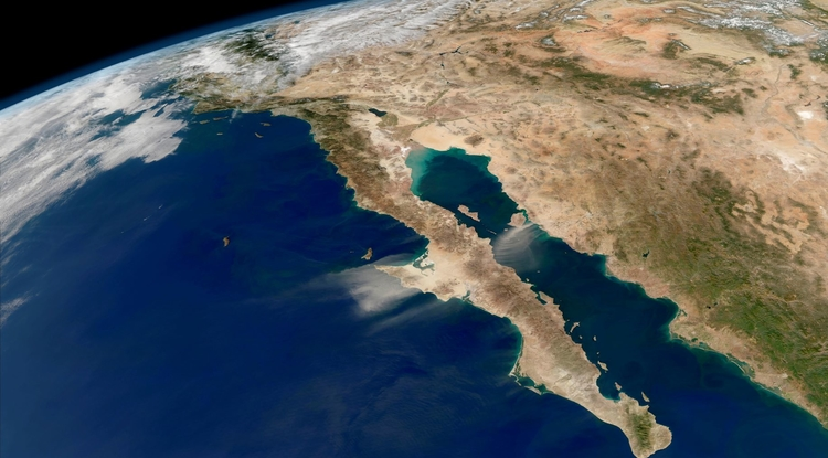 Baja California peninsula from space. (Photo: NASA Earth Observatory)
