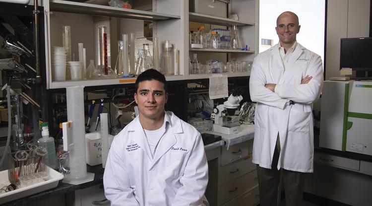 David Duron (left) and John Streicher. (Photo: Noelle Haro-Gomez/University of Arizona Health Sciences)