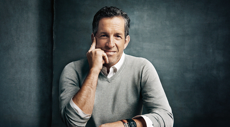 American clothing designer Kenneth Cole will headline this year's UA Global Retailing Conference.