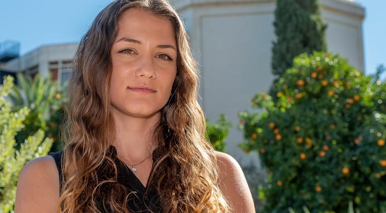 Lia Medeiros (Photo: Bob Demers/UANews)