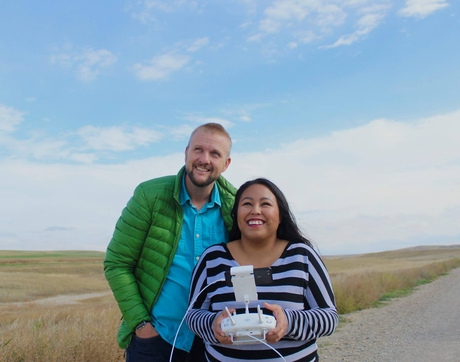 Journalism assistant professor of practice Mike McKisson and journalism student Maritza Dominguez fly a drone in Montana along the U.S.-Canada border. Students are learning how to use digital and drone technologies to report on important cultural and social issues along the U.S.-Mexico and U.S.-Canada borders. (Photo: Celeste González de Bustamante/UA School of Journalism)