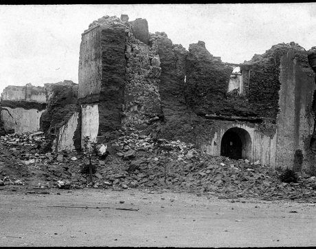The ruins of a church in Bavispe, Mexico, after the earthquake of 1887 in Sonora, Mexico (Photo: Arizona Historical Society)