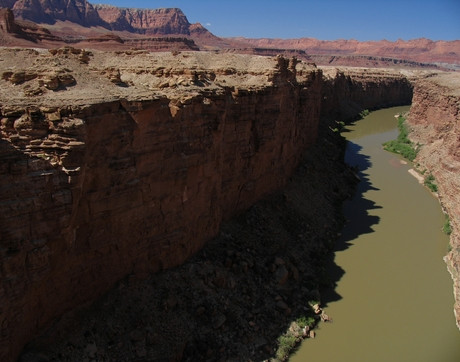 A late-afternoon view of the Colorado River in Marble Canyon looking upstream from the Navajo Bridge, near Lees Ferry, Arizona (Photo: Stewart Tomlinson/U.S. Geological Survey)