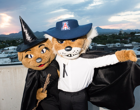 Wilma and Wilbur model their Halloween costumes. (Photo: Jacob Chinn/UA Alumni Association)