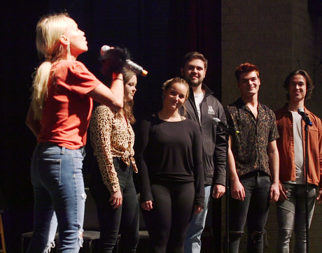 UA musical theater students rehearse with actress Kristin Chenoweth for a one-night performance in Tucson. (Photo: Bob Demers/UANews)