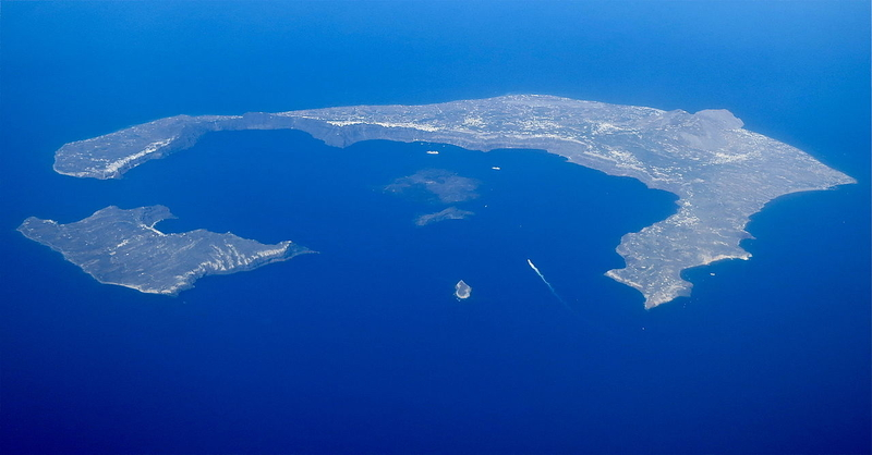 A ring of islands sit around what was the Thera volcano