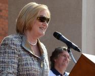 UA President Ann Weaver Hart speaks to her supporters.