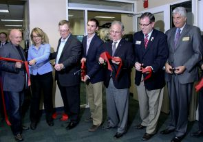 Senior government officials in Arizona and key UA administrators introduce the new VETS Center with a ceremony and ribbon cutting. (Photo credit: Beatriz Verdugo/UANews)