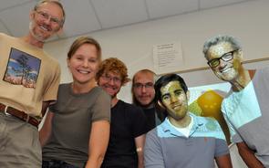 Michod's lab group (left to right): Patrick Ferris, Deborah Shelton, Erik Hanschen, Zachariah Grochau-Wright, David Shahnooshi and Rick Michod. (Photo: Patrick McArdle/UANews)