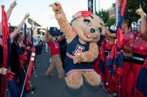 Parents and alumni are joining forces to recruit new students to the UA. (Photo by Patrick McArdle/UANews)